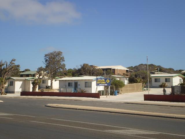 Shark Bay Cottages - Affordable Beach Breaks