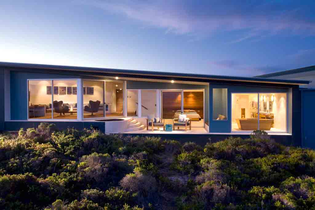 Southern ocean lodge top 10 luxury lodges in australia for Beach house designs sa