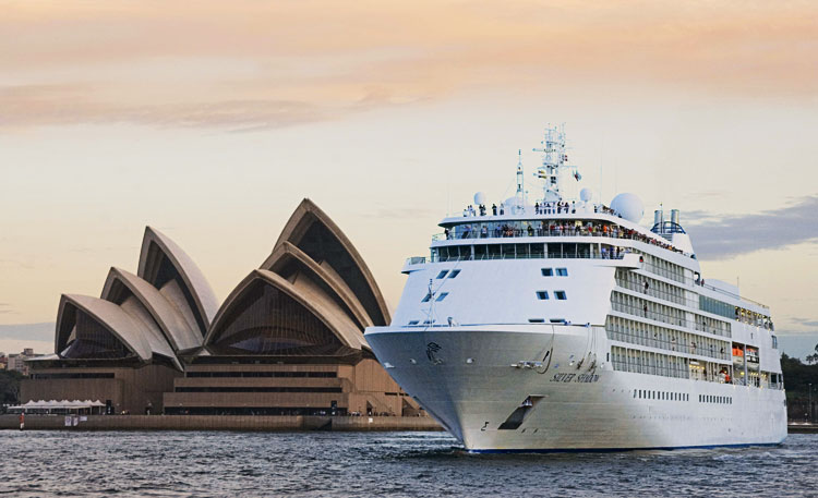 The 5+ Star Silver Shadow in Sydney Harbour
