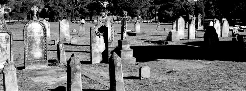 Spooky Hartley Cemetery is just one of the stops on Paranormal Pete's Mystery Tour of the Blue Mountains.