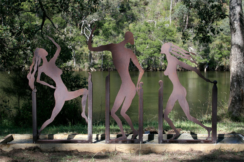 Charles Quilly's sculpted nudes on Lake Tyers