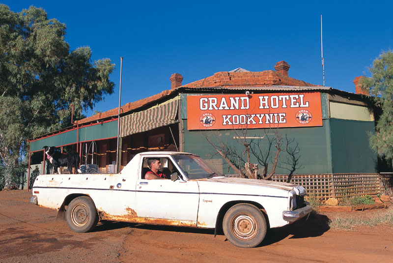 The Grand Hotel Kookynie. Image by Tourism WA