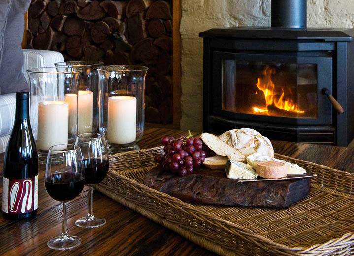 Cosy evening by the fire at Tussie Mussie (Soul Impressions Photography)