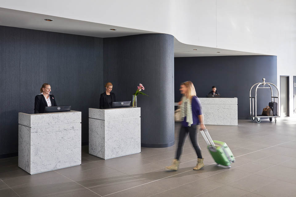Rydges Sydney Airport lobby.