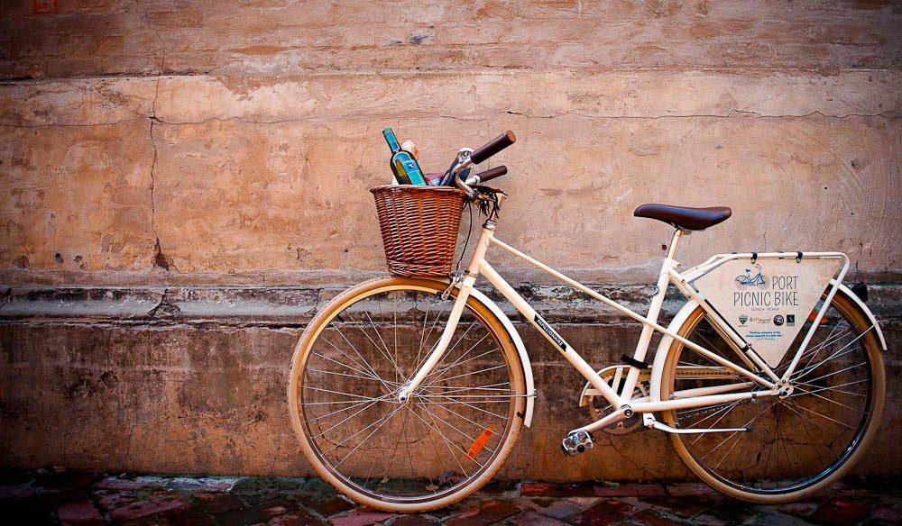 Vintage ride: Port Picnic Bikes in Echuca.
