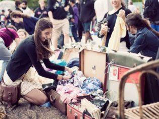 Teen Heaven: The Suitcase Rummage, Brisbane (Photo : Yan Chen)