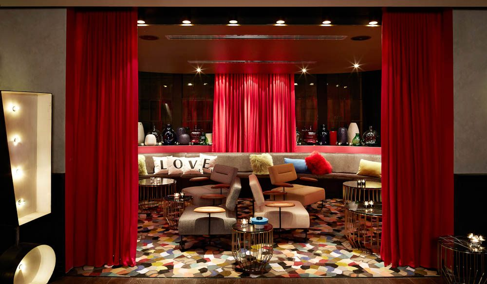 QT Sydney's Gilt Lounge.