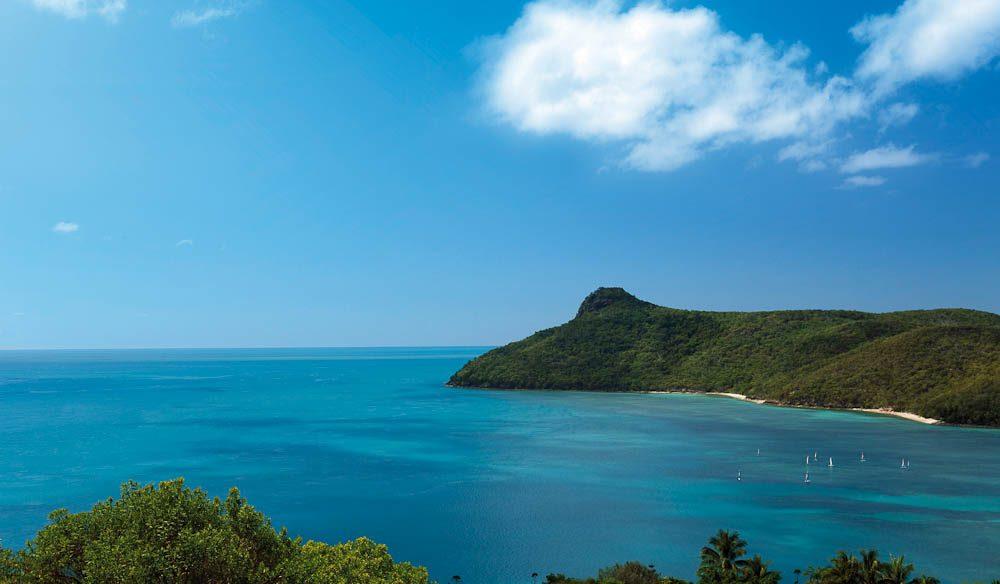 View into the blue: Catseye Bay, Hamilton Island.