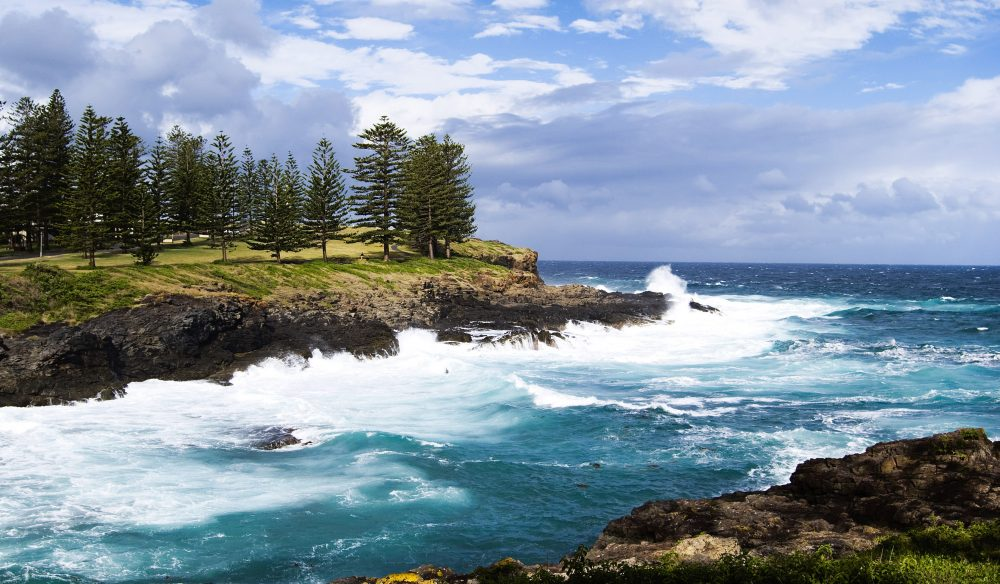 Country on the coast - The rocks at Kiama