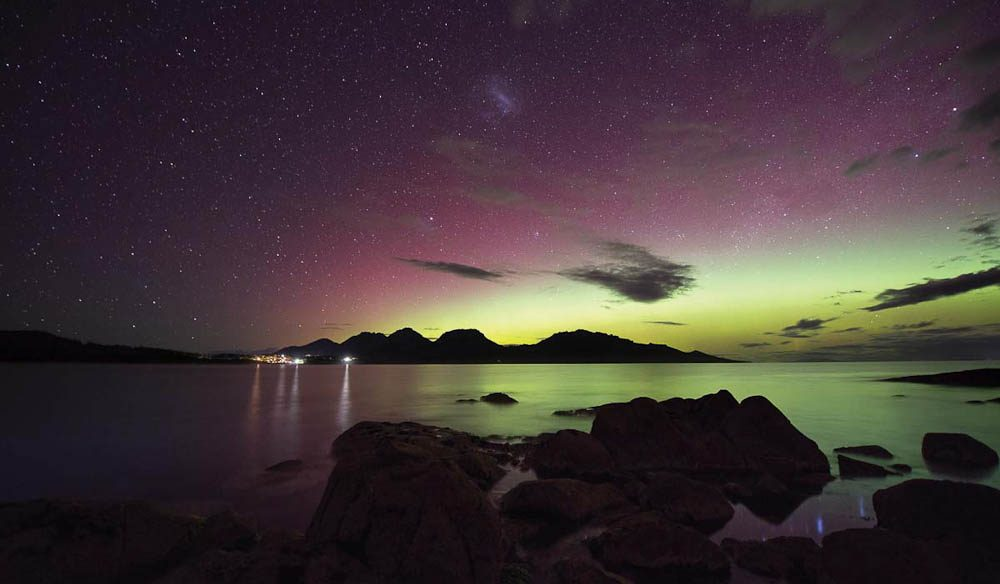 Aurora horizon over Saffire Freycinet.