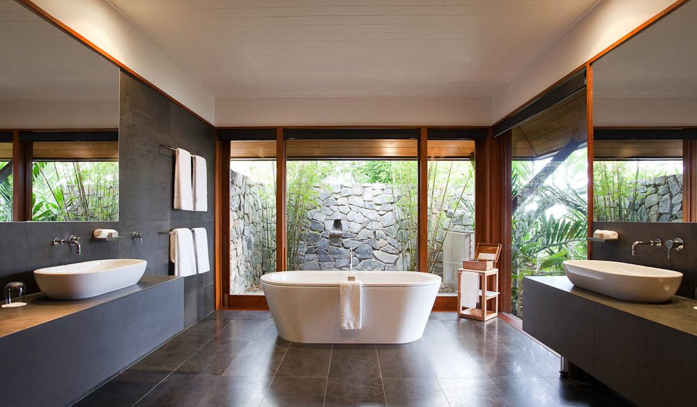Windward Bath, qualia