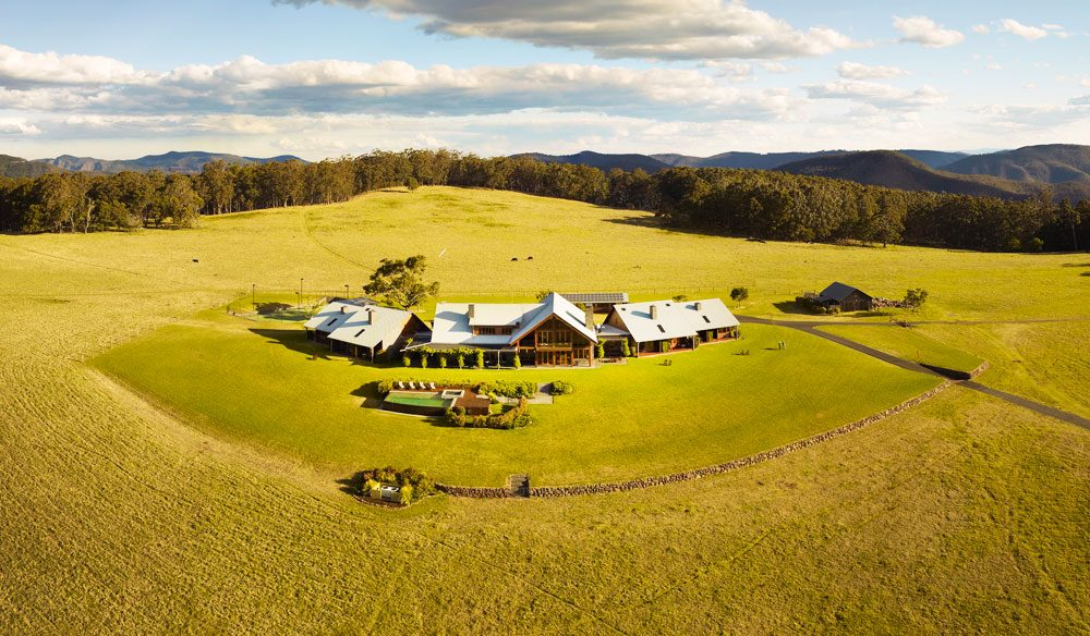 Spicers Peak: rambling walks and an on-site hatted restaurant.