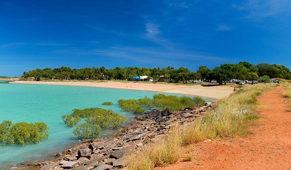 Roebuck Bay (Tracy Ryan).