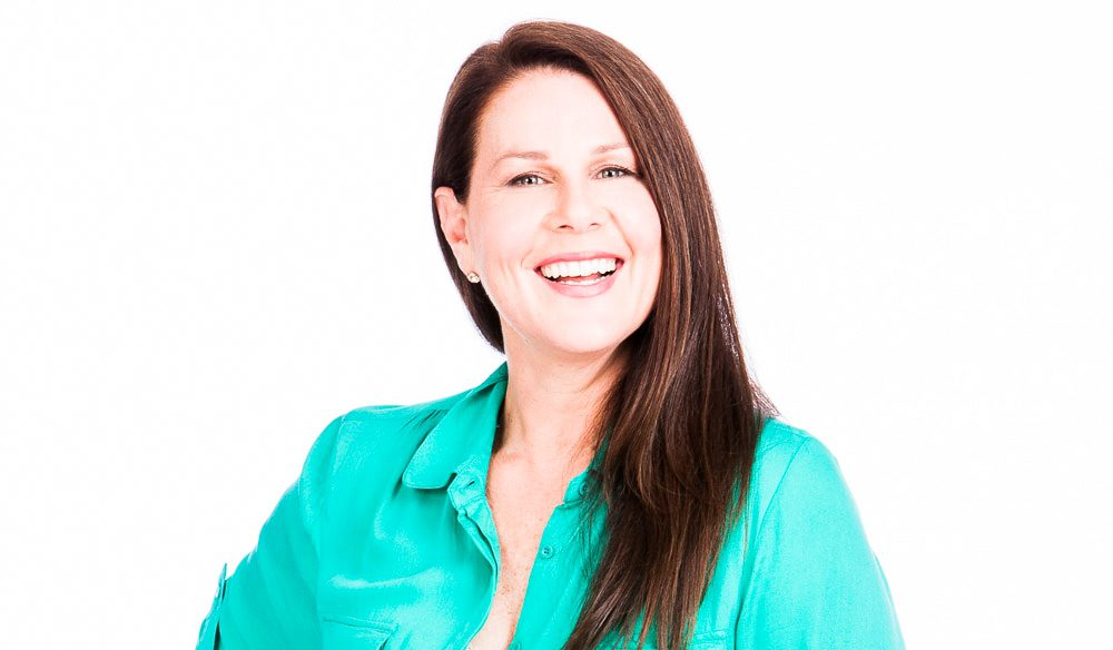 What does House Husband's Julia Morris for a living?
