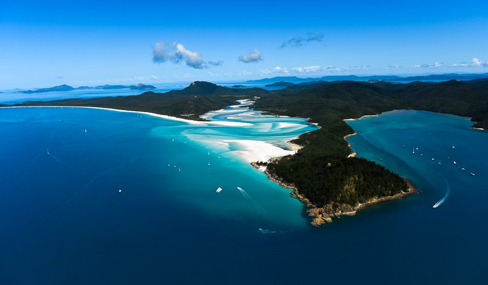 Hill Inlet from an open-door chopper (Steve Madgwick).