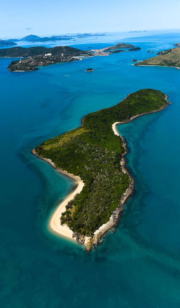 Bird's-eye-view of the approach to Hamilton Island (in the distance) - (Steve Madgwick)