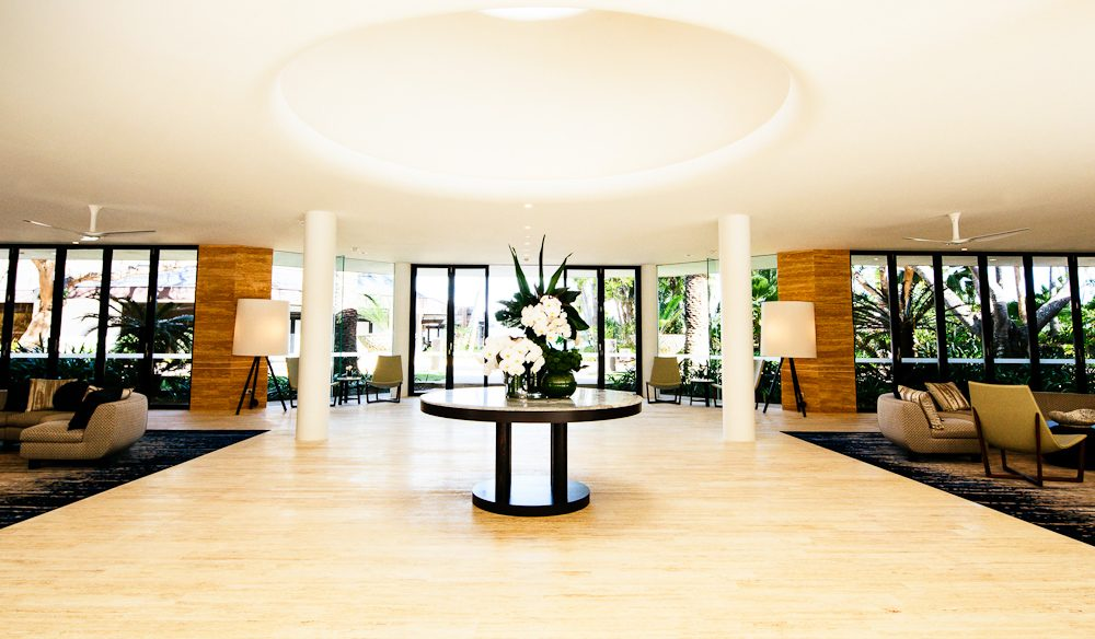 The reception area at the One and Only is fresh and elegant.