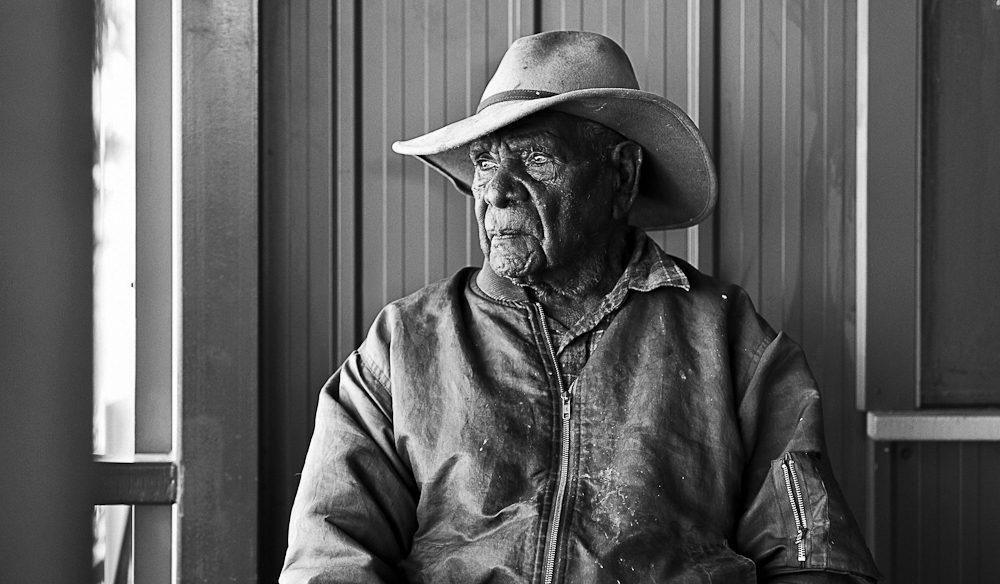 Ninety-one year old Warlpiri elder, Jangala 'Joe' Bird (photo: Elise Hassey).