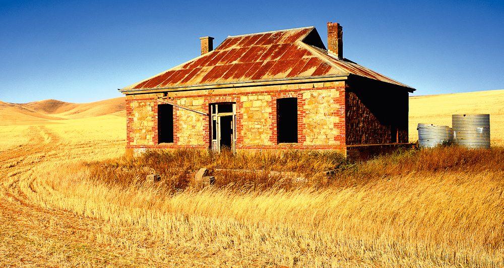 Iconic Australia: Burra Homestead, South Australia (Ken Duncan).
