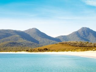 Tasmania east coast Wineglass Bay (photo: Max Doyle)
