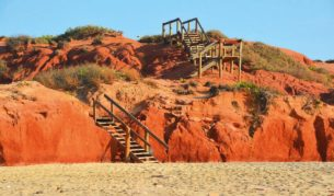 Beach access from Barn Hill Beach Side Station in the Kimberley