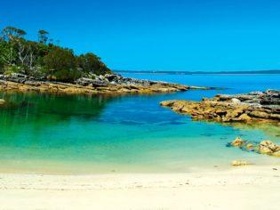 Honeymoon Bay, a secret cove Jervis Bay