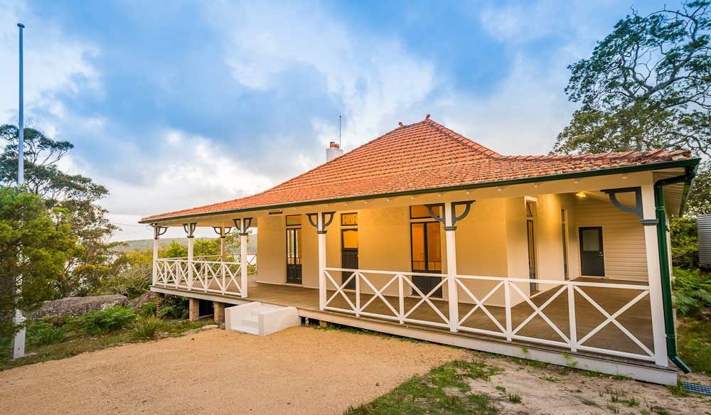 Hill Top: a beautiful period propertyl, Royal National Park.
