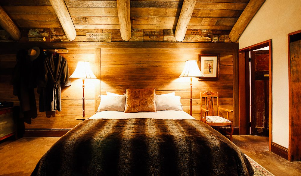 Cosy room Moonbah Huts. (photo: Elise Hassey)