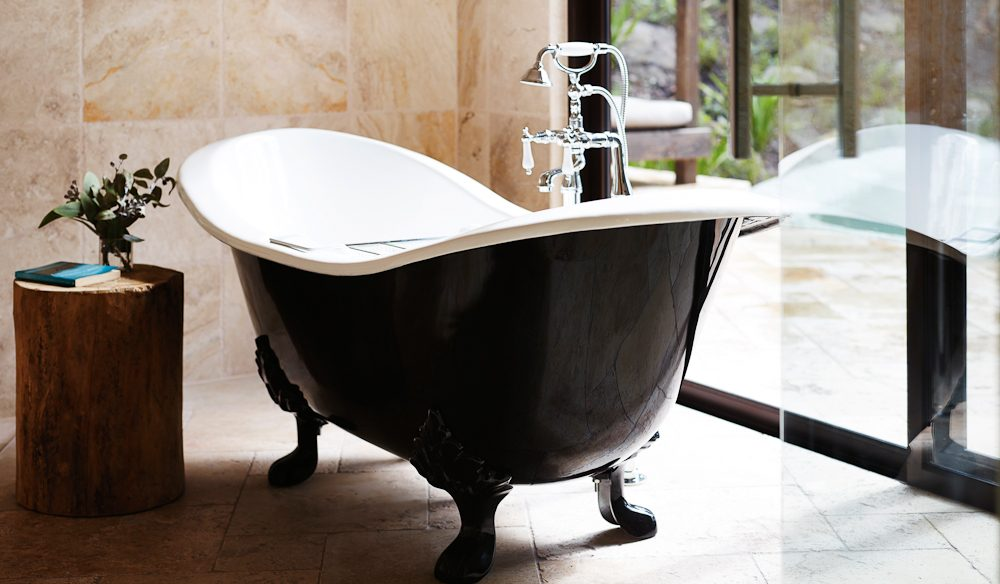 The inviting bath in the Hideaway Pavilion.