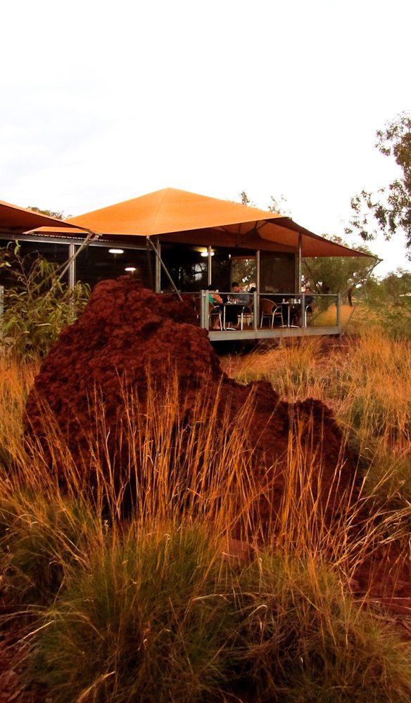 Outback al fresco, Karijini Eco Retreat.