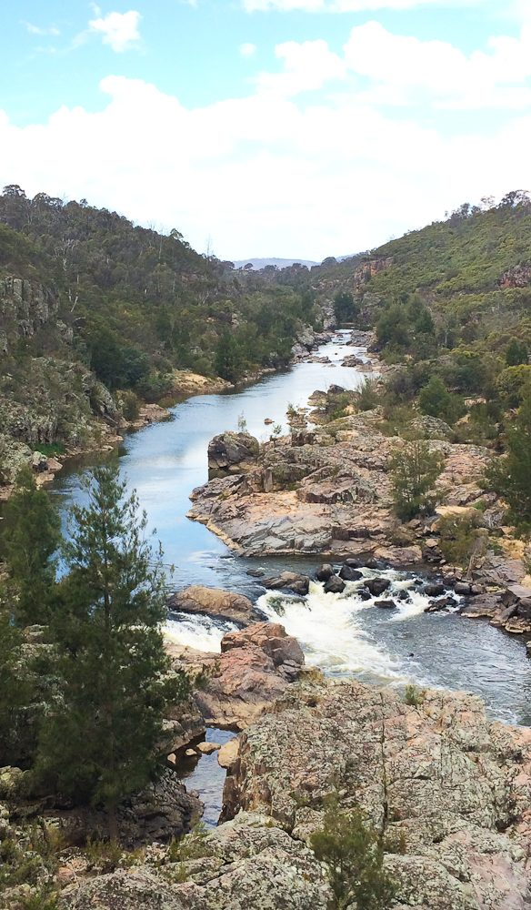 The mighty Murrumbidgee flows through Red Rock Gorge (photo: Steve Madgwick).