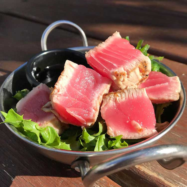 Chargrilled Yelllowfin tuna small plate served at the Old Canberra Inn.