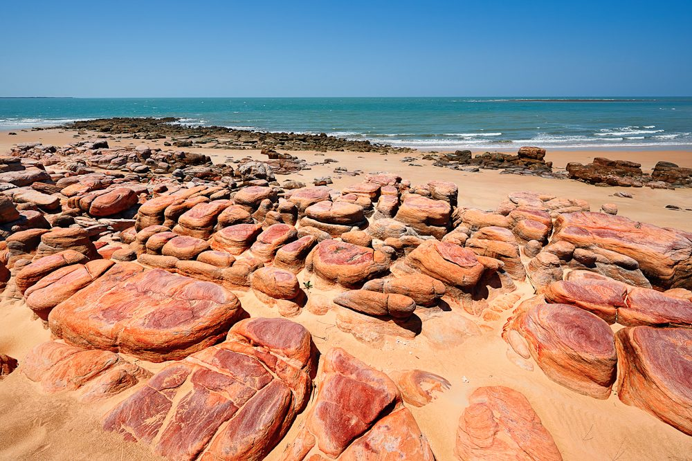 Beautiful rock formations mark the end point of the sand dune tour (photo: Tony Hewitt).