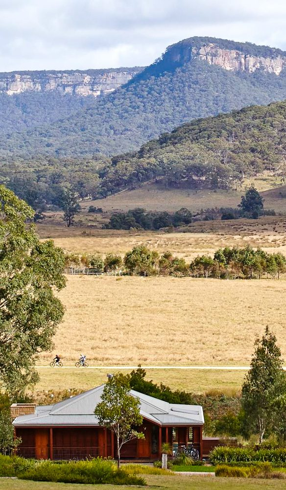 The wide open spaces of Wolgan Valley, Blue Mountains.