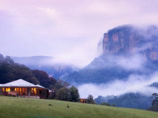 Blue Mountains, Holidays, Accommodation
