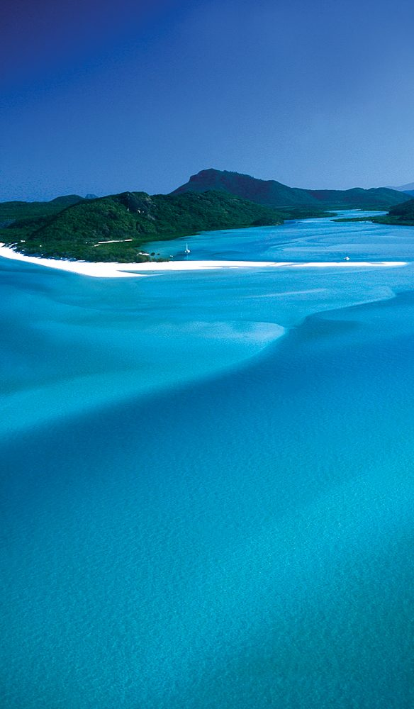 A must-do: Whitehaven Beach, The Whitsundays.