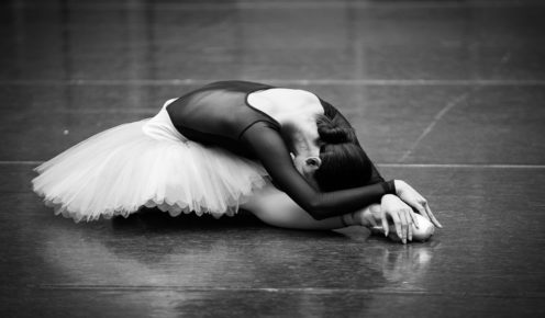 Ako Kondo in a classic Swan Lake pose (photo: Kate Longley).