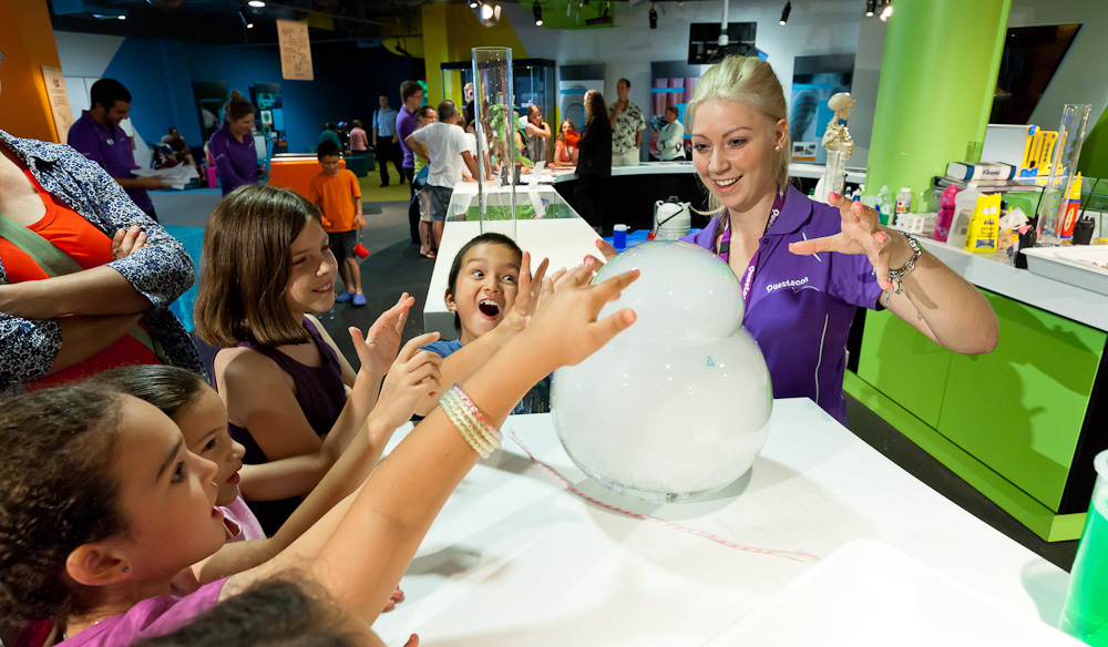 Questacon  - Static Electricity