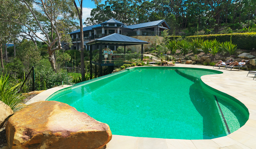 Noonaweena escape together australian traveller australian traveller for Swimming pools central coast nsw