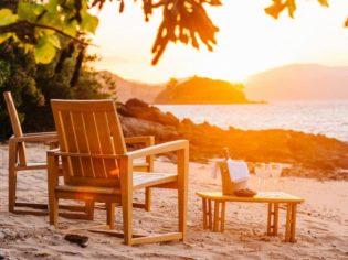 Sunset champagne pebble beach qualia