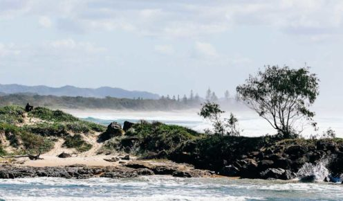 Picturesque beach in Brunswick Heads (photo: Elise Hassey).