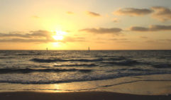 A romantic sunset over Seaford Beach in Victoria.