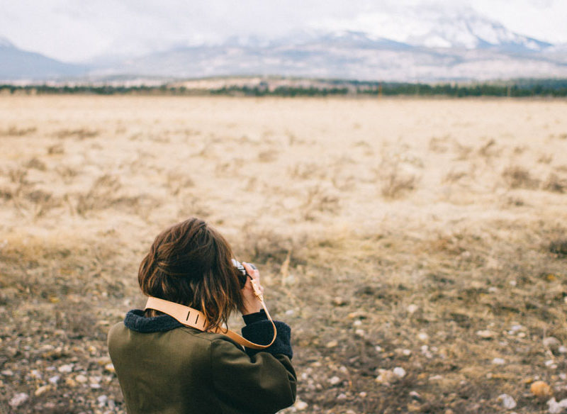 how to travel alone solo