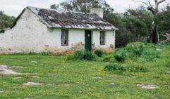 Afarmer's cottage at Mikkira Station, out of Port Lincoln (photo: Michael Wee).