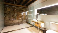 Bathroom suite at the Henry Jones Art Hotel