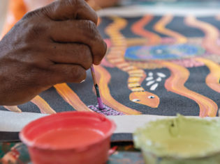 guide to buying aboriginal art northern territory
