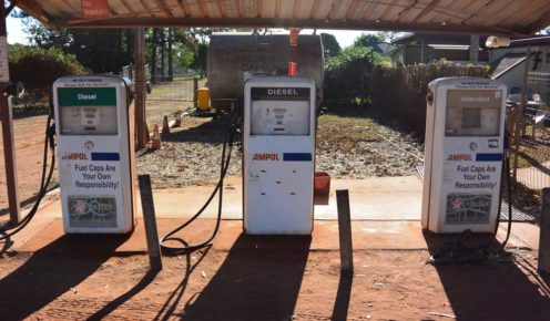 Fuel up at this outback petrol station (photo: Steve Madgwick).