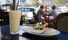 Early start from Rainbow? A mango smoothie and breakfast burrito at Cafe Jilarty at Rainbow (photo: Leigh Counsell).