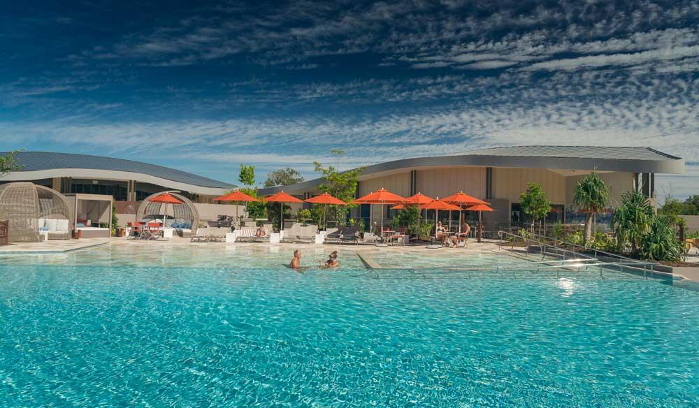 Elements of Byron, Infinity lagoon pool