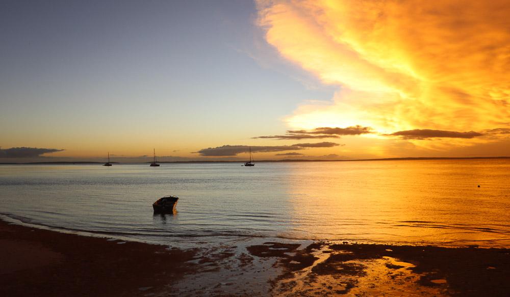 Kingfisher Bay Resort Sunset Bar
